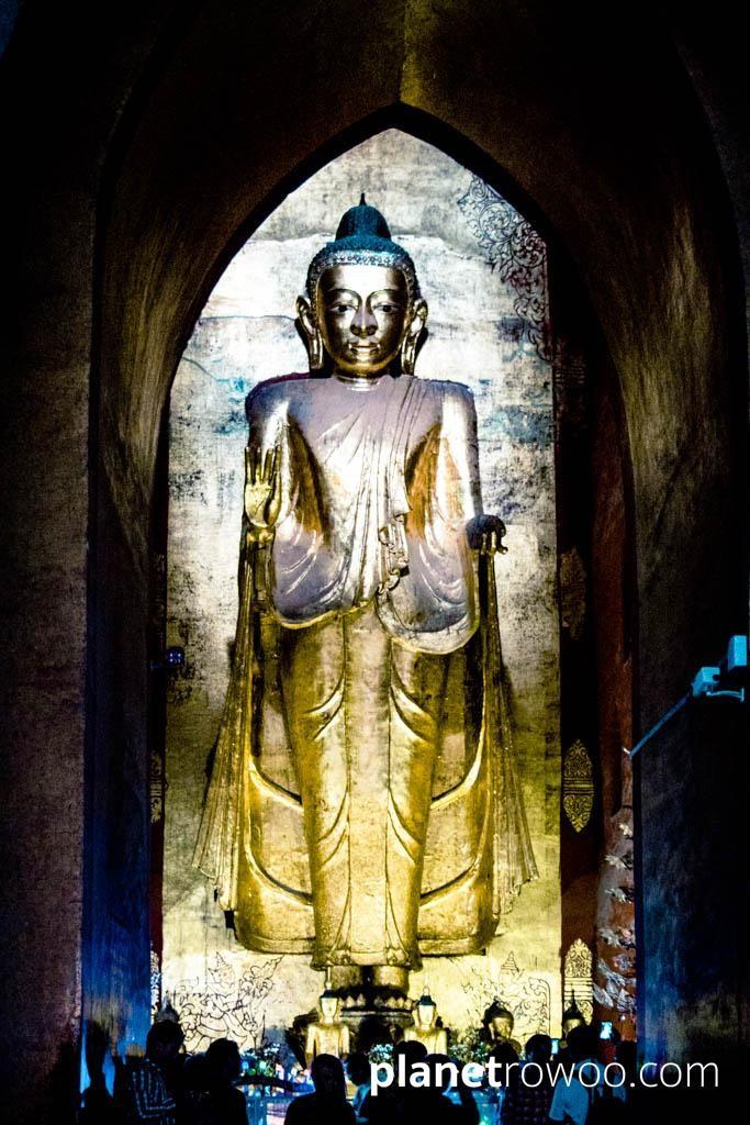 Standing Gautama Buddha, Ananda temple