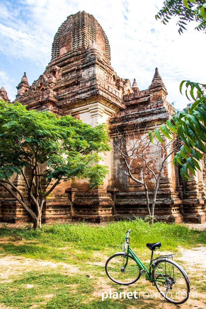 Exploring the Bagan temples by bike