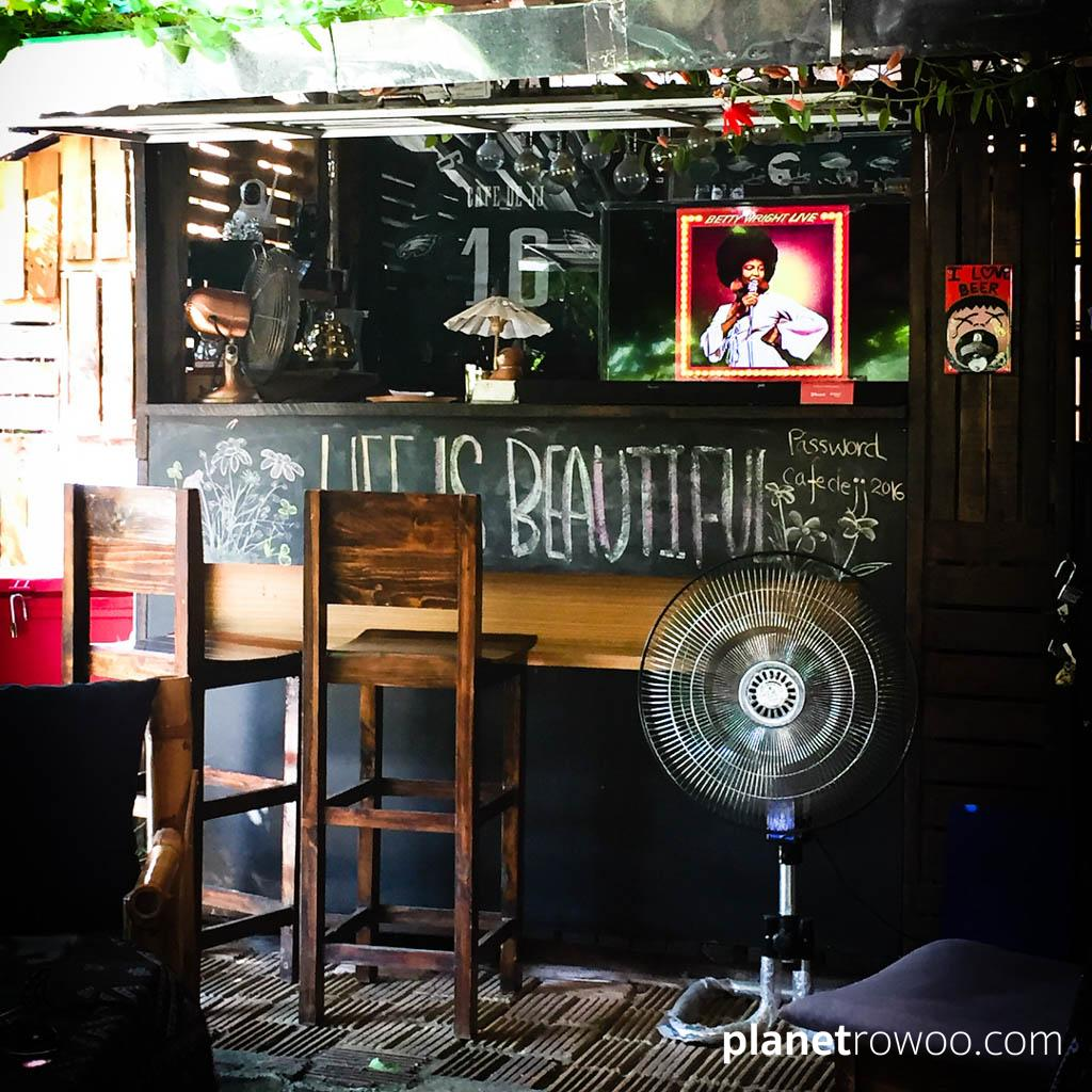 Cafe de JJ, next door to my condo