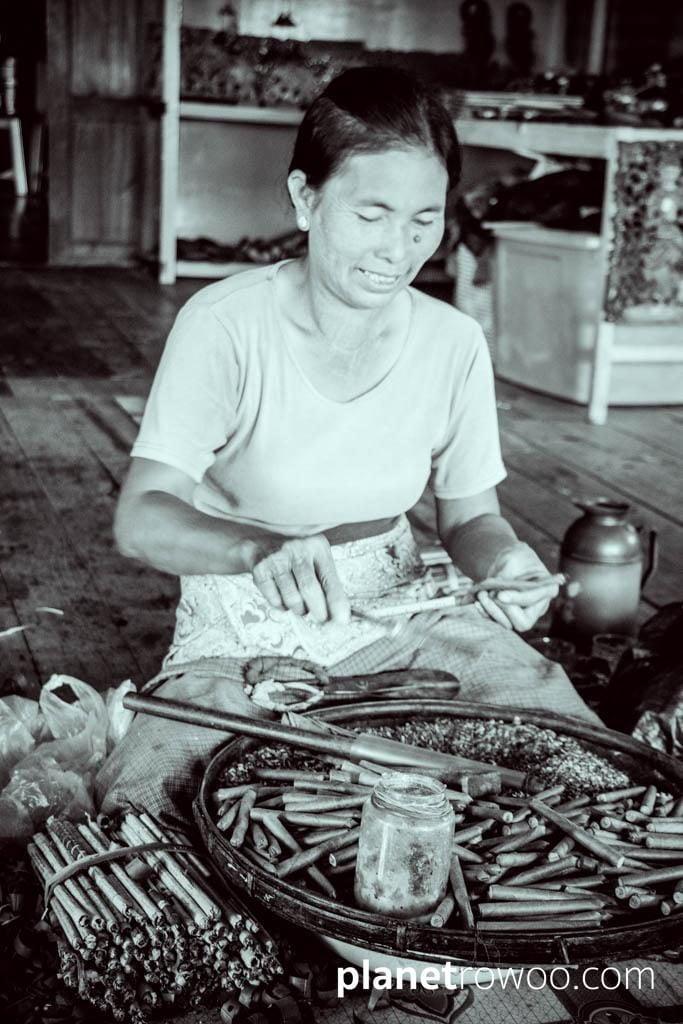 Cheroot making at an Inle Lake cheroot factory