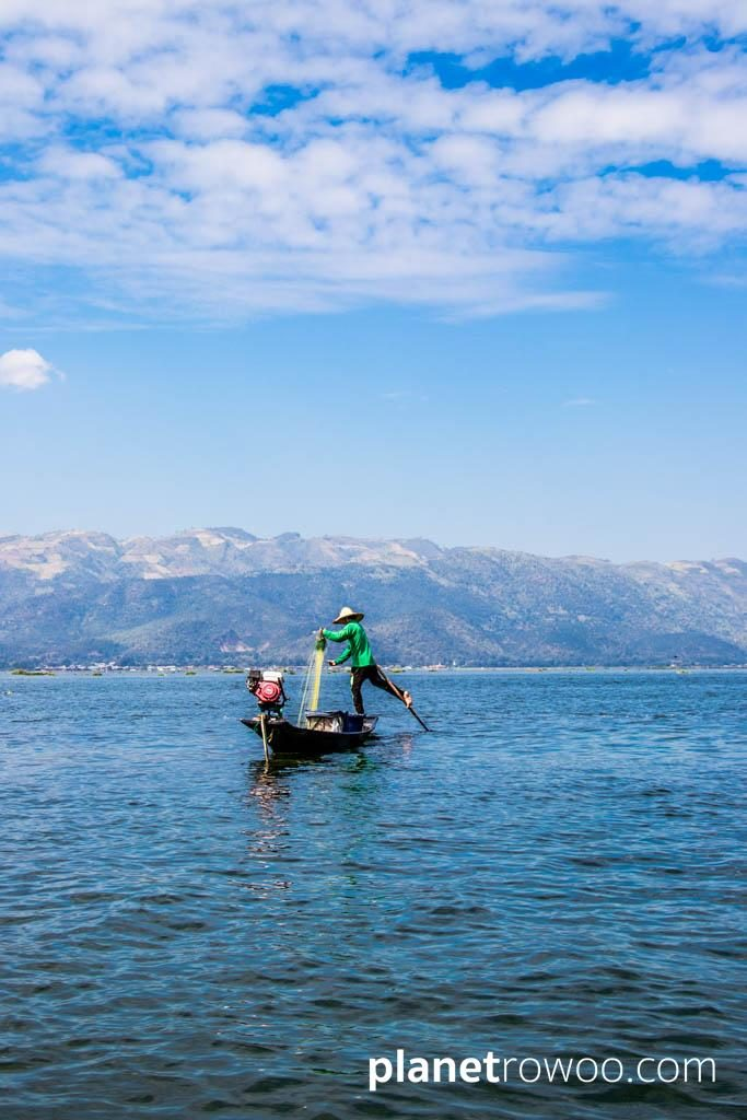 One-legged fisherman with Shan hills backdrop