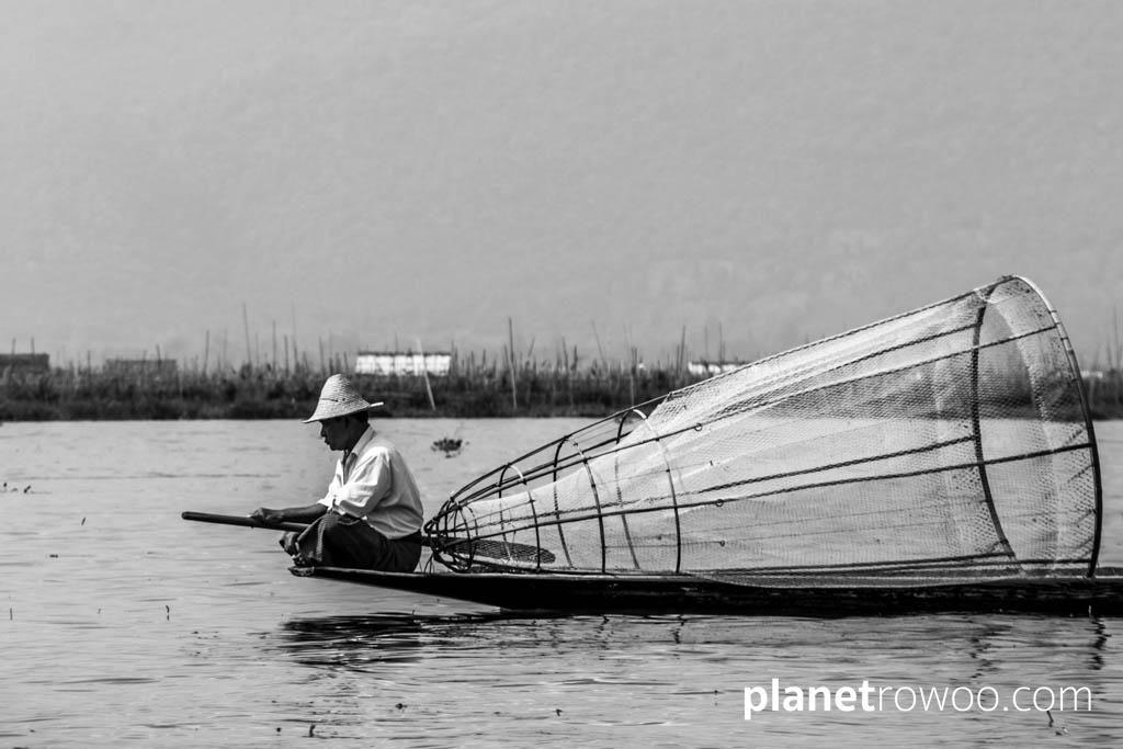 Waiting for the right moment, Inle Lake