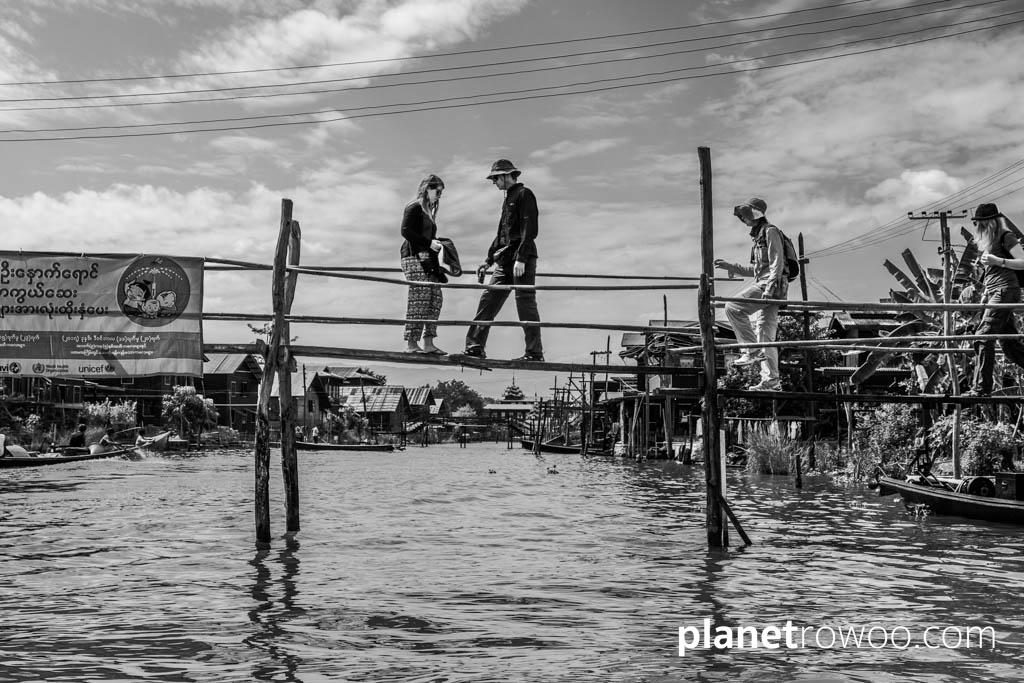 Crossing the lake by the Hpaung Daw U Pagoda