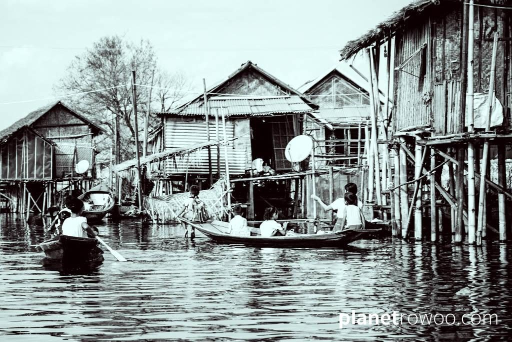 Every day life on Inle Lake