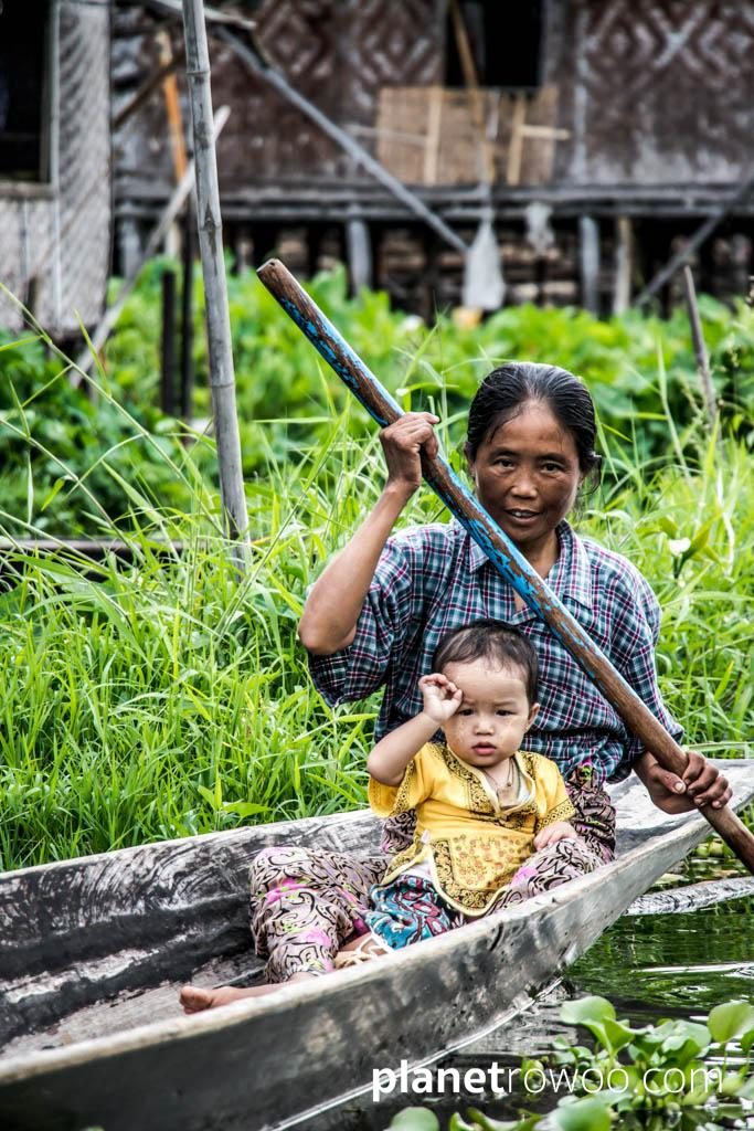 Mother and child, Inle Lake