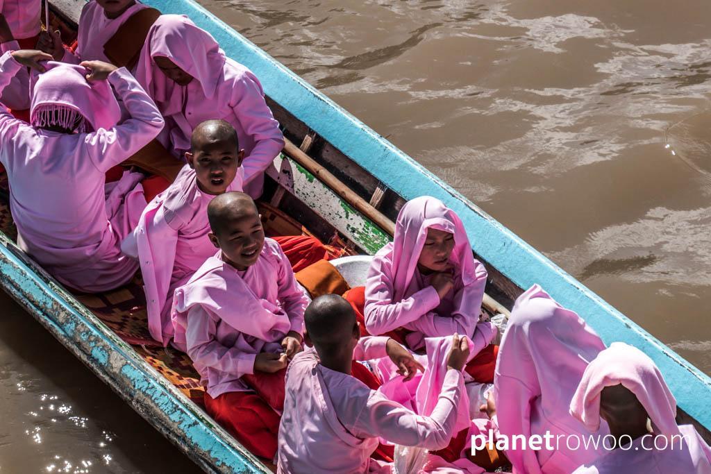 Nyaung Shwe nuns on a trip to Inle Lake