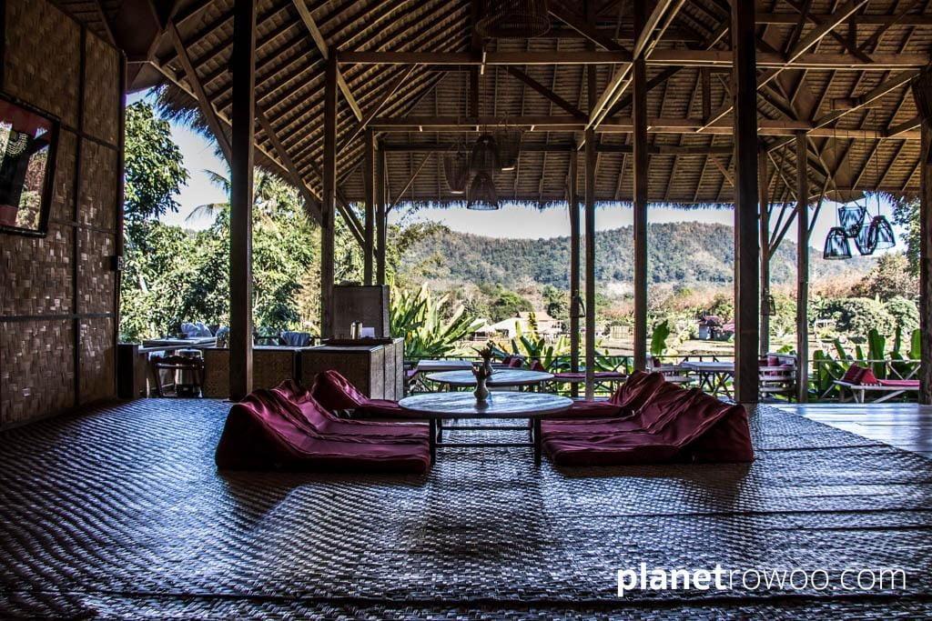 The communal veranda at Lisu Lodge
