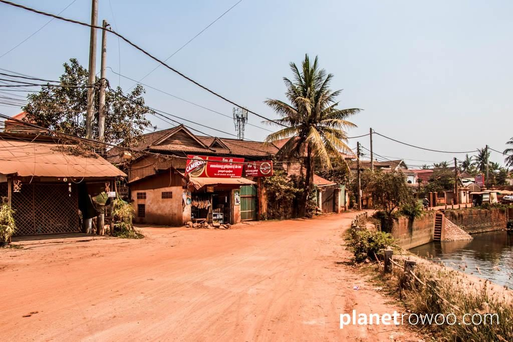 Red soil roads on the east bank of the Siem Reap river