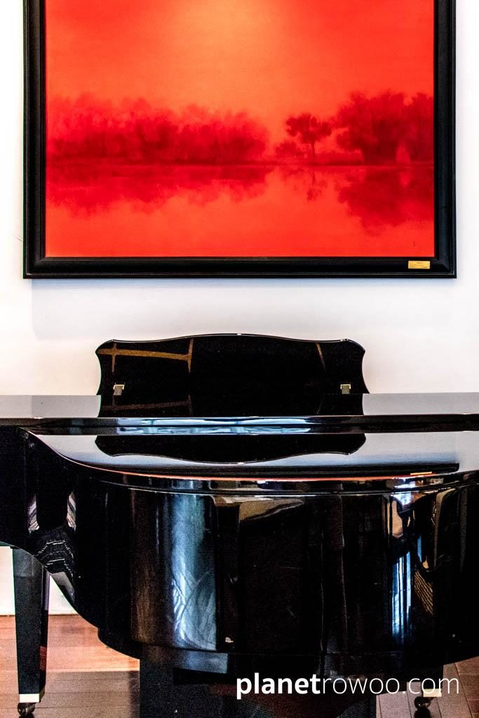 Artwork by local artist Hoang Duc Dzung above the Metropole's grand piano