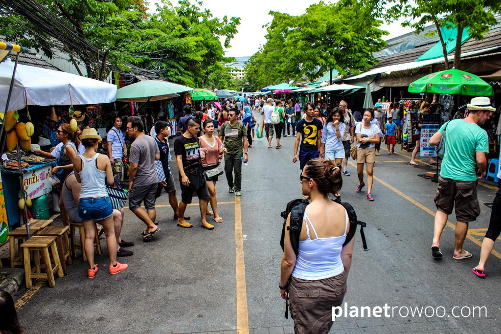 Visit Chatuchak Weekend Market in the morning to avoid the crowds