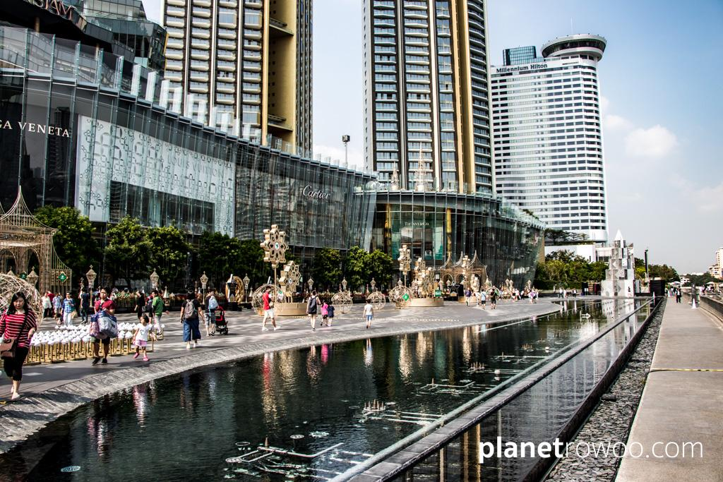 ICONSIAM shopping mall in Bangkok has the longest pleated glass facade in the world