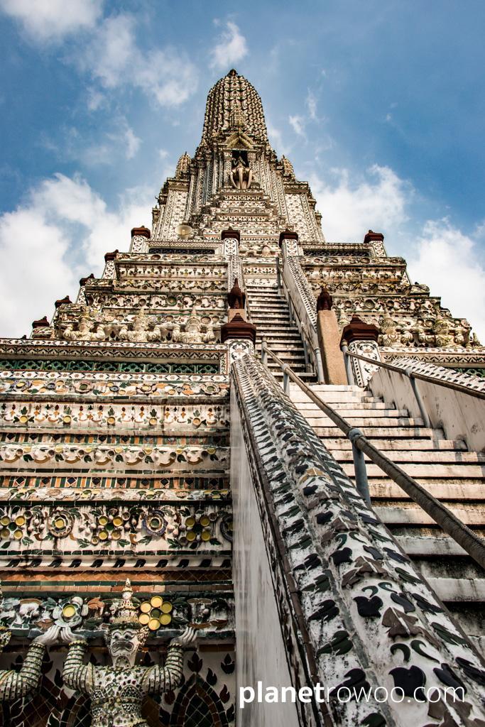 The 80m high central prang at Wat Arun in Bangkok